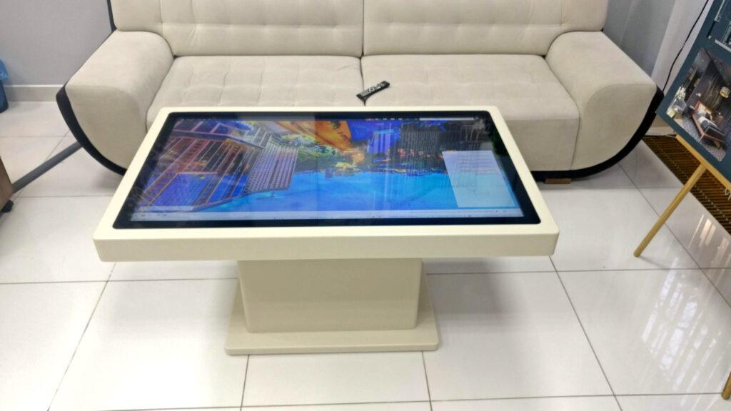 """Интерактивный сенсорный стол для отдела продаж ЖК """"Podil Plaza & Residence""""⠀"""