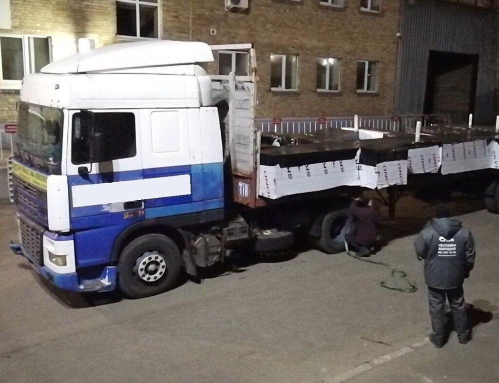 """Транспортировка букв для вывески ТРЦ """"Retroville"""""""