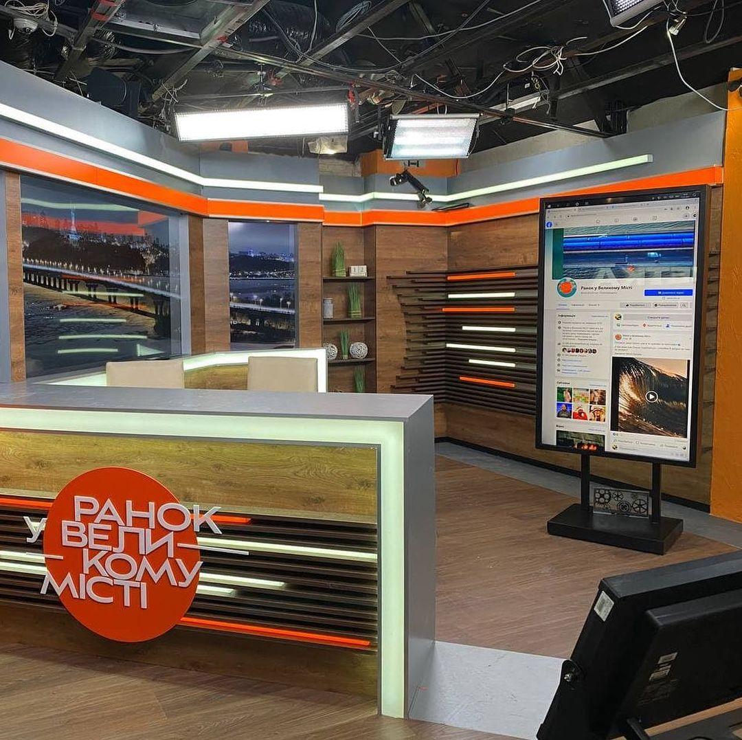 Сенсорная стойка для утреннего шоу на телеканале ICTV ⠀